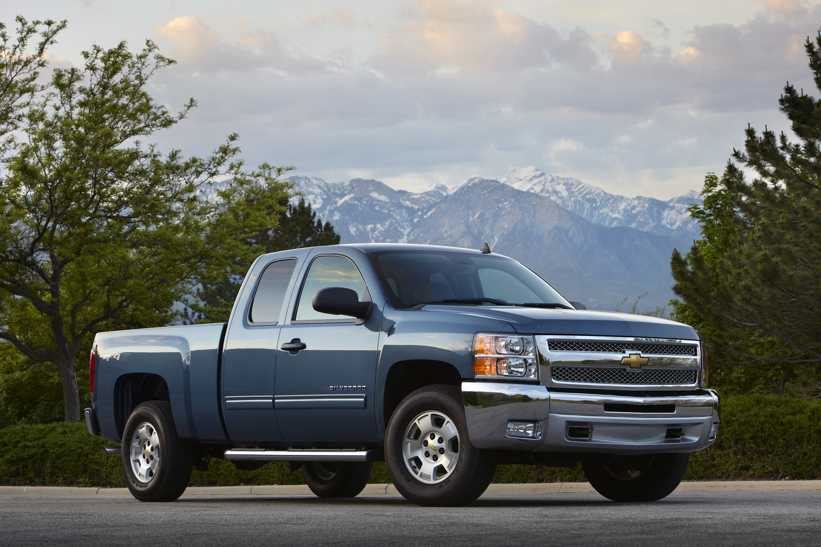 all about the 2013 chevrolet silverado 1500. Black Bedroom Furniture Sets. Home Design Ideas